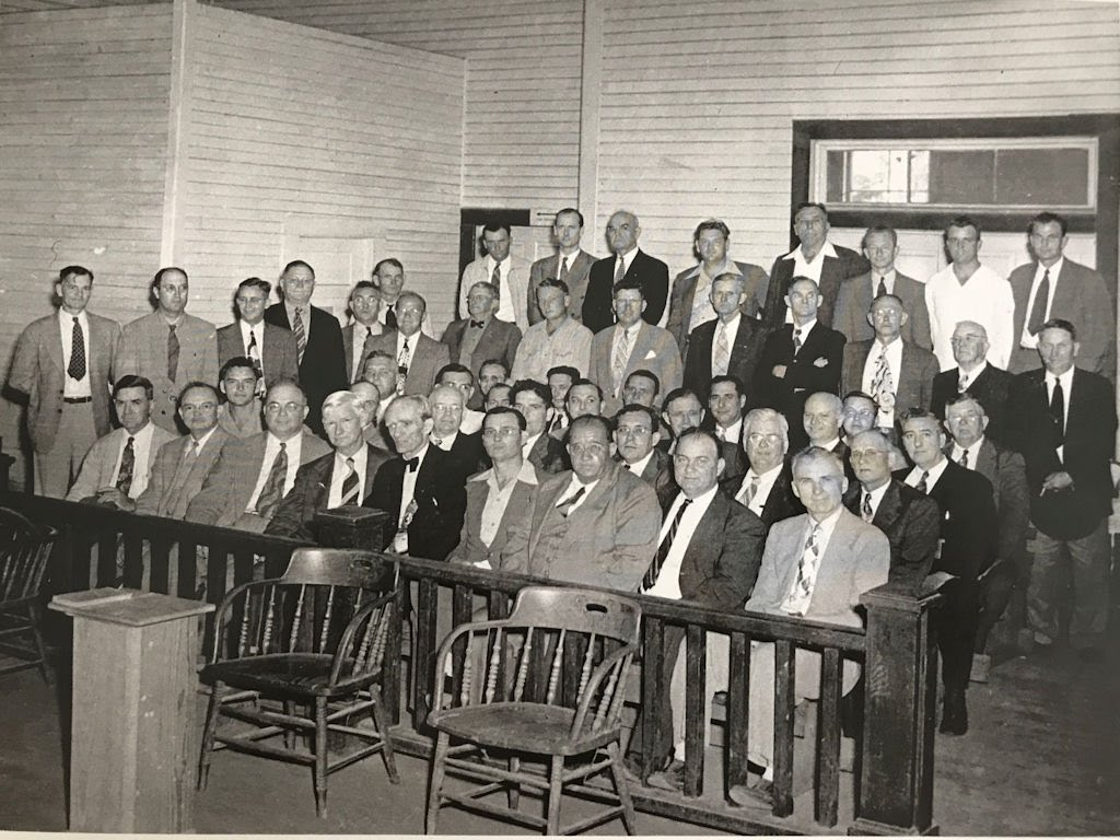 Wakulla Masons gathering in the courthouse, 1948
